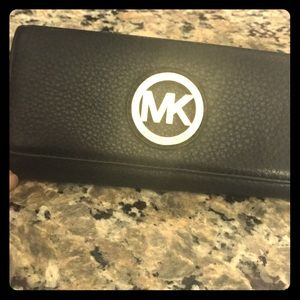 MK Fulton Carryall Leather Wallet